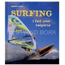 SURFING - I FART OVER BØLGERNE